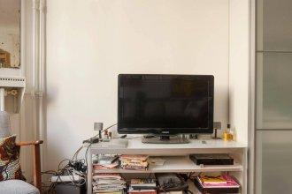 Modern Studio Center of Paris Smartrenting