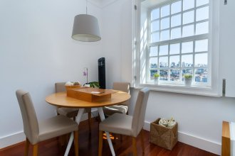 Guestready - Ribeira Apt for 4 in the Historical Porto Center