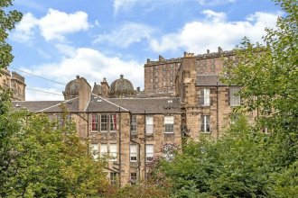 Stylish 2 Bedroom Apartment By Edinburgh Castle