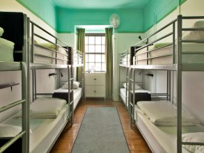 Goodmorning Solo Traveller Hostel - All Inclusive