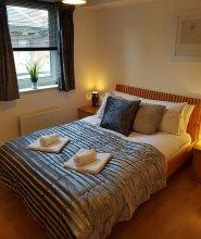 Executive Open Plan Apartment in Leith