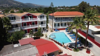 Manthos Beachfront Luxury Suite