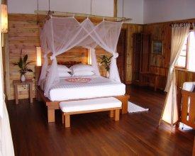 Myanmar Treasure Resort Inle