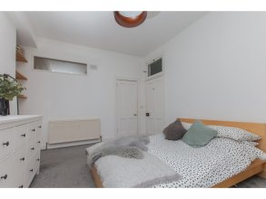 Spacious, Stylish 2BR Flat For 4 in Leith Walk