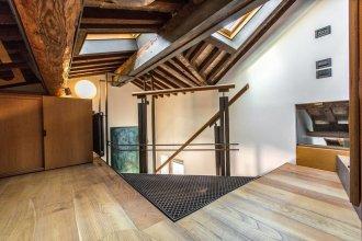 Grand Canal Design Apartment R&R