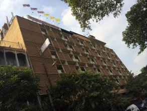 The Krungkasem Srikrung Hotel