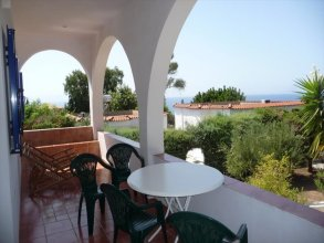 2 bedroom Detached house  in Ampeliona  RE0188