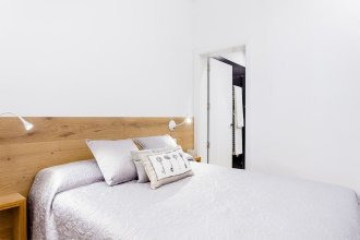 Malasaña Apartment by Flat Sweet Home