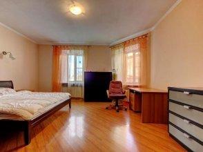 Apartment Longo On Furshtatskaya