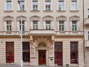 Отель Bohemia Plaza Residence