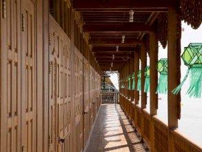 Mandalay Karaweik Mobile Hotel