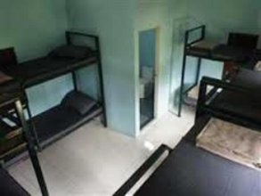 Spicytao Backpackers - Adults Only