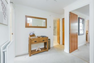 388 Old Tolbooth Wynd Apartment 2