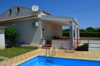Villa With 2 Bedrooms in Floridia, With Private Pool, Enclosed Garden and Wifi - 12 km From the Beach