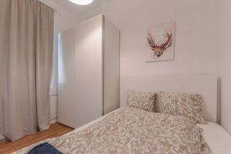 FM Deluxe 2-BDR Apartment - LOVEly