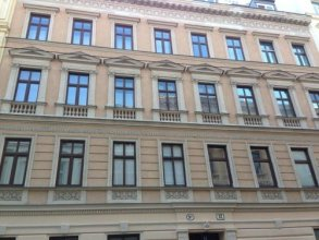 Old Vienna Apartments - Short Term Rental Not A Hotel