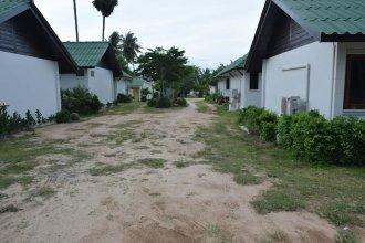 Bang Por Resort