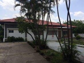 La Madrugada Hostel