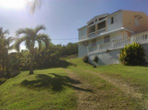House With one Bedroom in Saint-anne, With Enclosed Garden and Wifi -