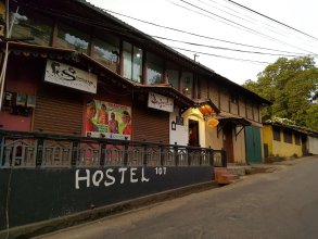 Hostel 107