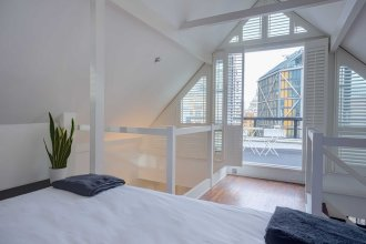 1 Bedroom Flat with Balcony Sleeps 4 in Southwark