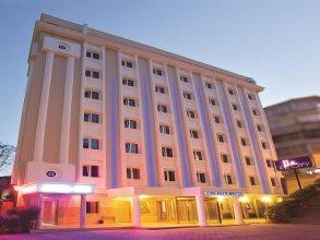 Отель The City