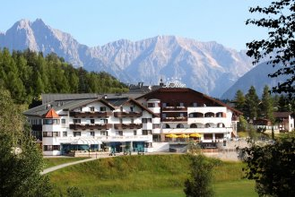 Mountains Hotel