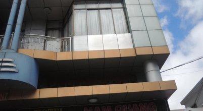 Nam Quang Hotel