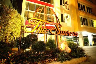 The Sunreno Hotel