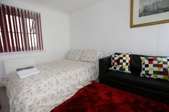 Lovely Studio Apartments - Thamesmead