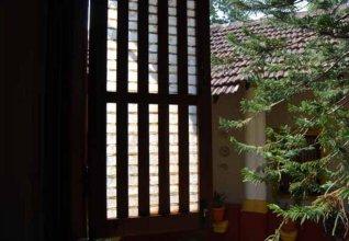 Bougainvillea Granpa''s Inn