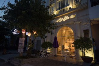Saigon By Night Luxury Hotel