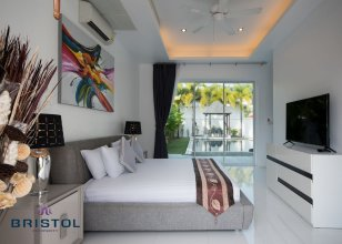 Kamala Contemporary 3 Bedrooms Pool Villa