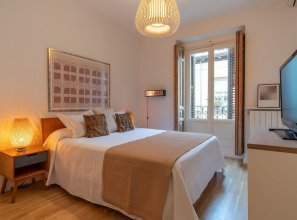 Chueca 2 Bedrooms IN THE Middle OF Chueca