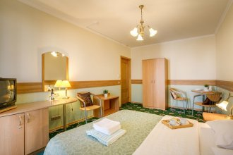 #41 OREKHOVO APARTMENTS with 3 bedrooms near Tsaritsyno park