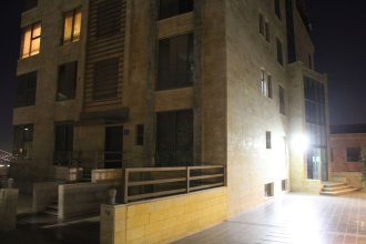 Elegant Modern & Style Hillview Balcony