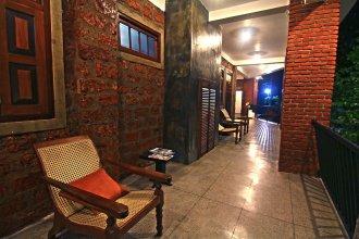 Travelers Lodge by City Hub