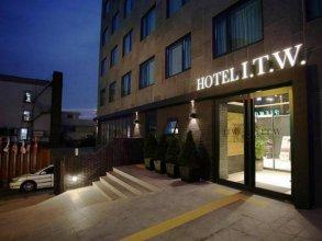 I.T.W. Hotel