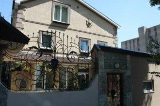 House On Gvardeysky 12