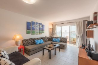 Beautiful 1 Bedroom Apartment With Stunning View