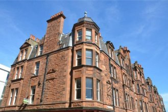 Traditional 2 Bedroom Flat With Views of Portobello Beach