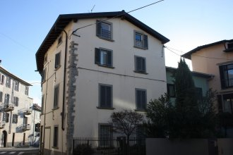 Apartment via Maironi da Ponte