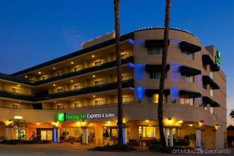 Holiday Inn Express Hotel and Suites Pasadena-Colorado Blvd, an IHG Hotel