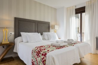 Wonderful 3 BD Apartment Next to the Cathedral. Cabildo III