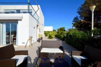 Modern Chalet With Sea Views In Son Serra