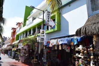 Guacamundo Beach Hostel