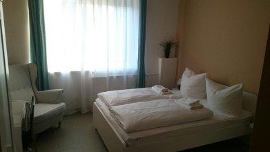 Elifim Hotel