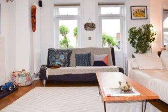 Stylish 2 Bedroom Top Floor Flat in Maida Vale