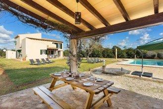 Close Es Trenc Beach Villa with Pool