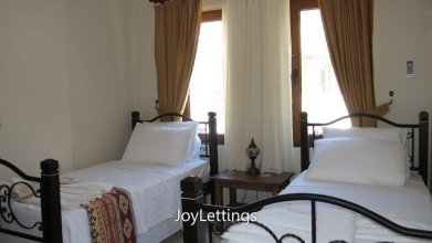 Villa FT11 by JoyLettings